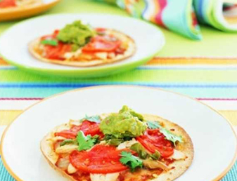Baked Tortilla Pizzas with Chicken & Jalapeños Recipe