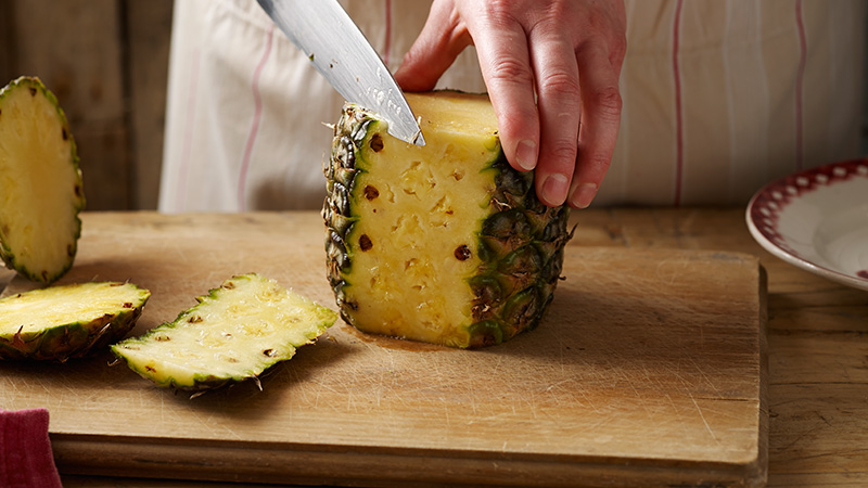 Ho to cut a Pineapple
